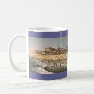 """Caneca De Café Da cidade velha do oceano de Paul McGehee """"caneca"""""""
