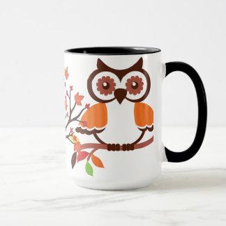 Caneca de café da coruja da queda