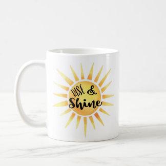 Caneca de café da elevação & do brilho