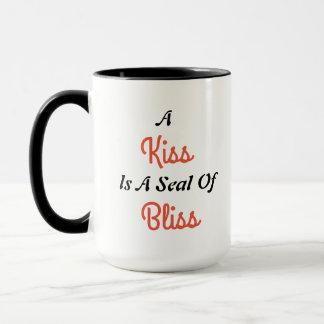 Caneca de café da felicidade do amor do beijo