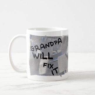 Caneca de café da fita adesiva - o vovô fixá-la-á