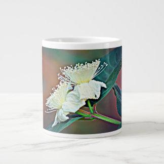 Caneca de café da flor do abacate