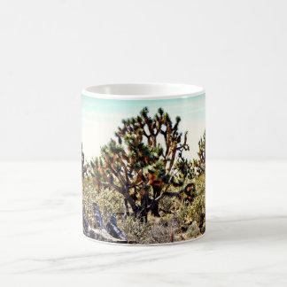 Caneca de café da floresta da árvore de Joshua