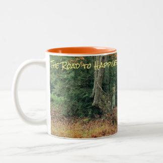 Caneca de café da floresta da queda
