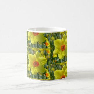 Caneca De Café Daffodils amarelos alaranjado 01.0.2.p