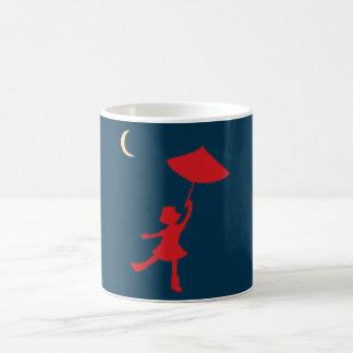 Caneca De Café Dança da menina com seu guarda-chuva