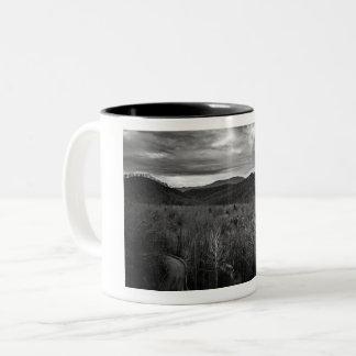 Caneca de café das montanhas de Gatlinburg