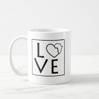 Caneca de café de África do amor