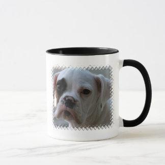 Caneca de café de olhos pretos do cão do pugilista
