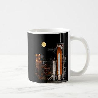 Caneca De Café Descoberta e lua do vaivém espacial