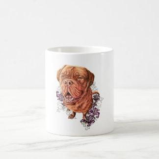 Caneca De Café Desenho da arte e dos lírios do cão do Mastiff de