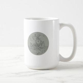 Caneca De Café Desenho do círculo do navio de guerra do Trireme