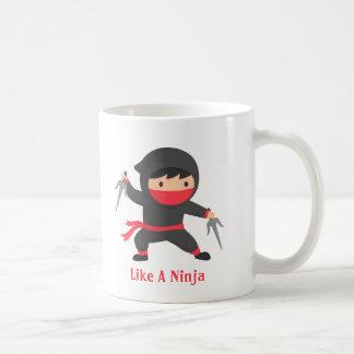 Caneca De Café Discrição Ninja com as armas de Sai para miúdos