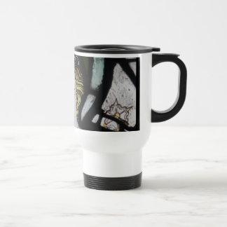 Caneca de café do anjo do vitral