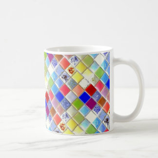 Caneca de café do azulejo do mosaico