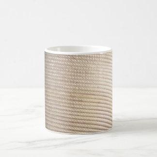 Caneca de café do branco da corda de fio