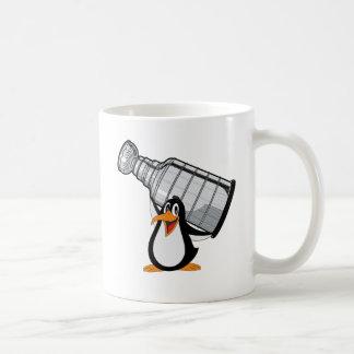 Caneca de café do copo do pinguim