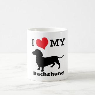 Caneca de café do Dachshund por mini irmãos