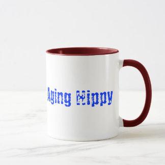 Caneca de café do hippy do envelhecimento do