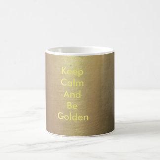 Caneca de café do ouro:  Mantenha calmo e seja