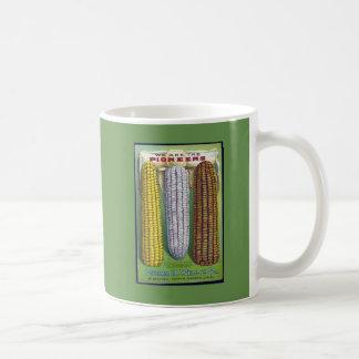 Caneca de café do pacote da semente do milho do