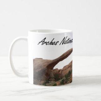 Caneca de café do parque nacional dos arcos