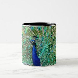 Caneca de café do pavão