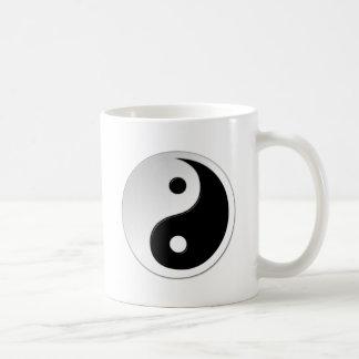 Caneca de café do símbolo de Yin Yang