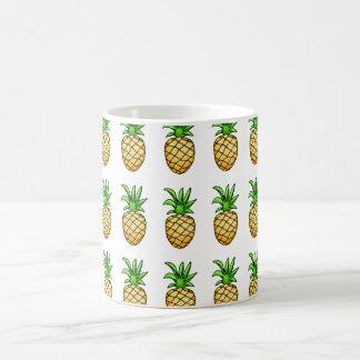 Caneca de café dos abacaxis