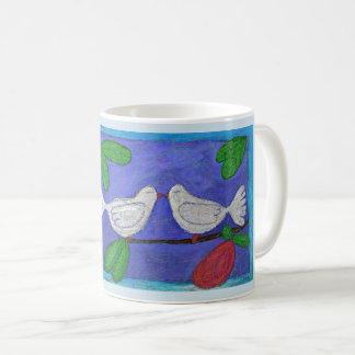 Caneca de café dos pássaros do amor