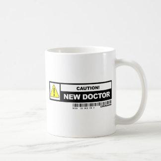 Caneca De Café Doutor novo do cuidado