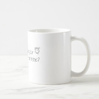 Caneca De Café É hora para sua medicamentação ou mina?