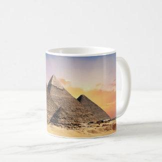 Caneca de café egípcia antiga da fotografia das