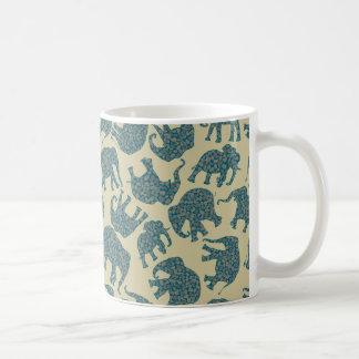 Caneca De Café Elefantes Ditzy de Paisley do divertimento na