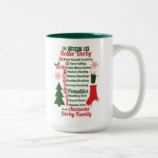 Caneca De Café Em Dois Tons 12 dias do Natal de Derby do rolo, patinagem de