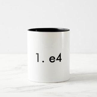Caneca De Café Em Dois Tons 1. e4