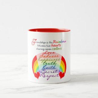Caneca De Café Em Dois Tons A amizade é o arco-íris BFF que diz o design