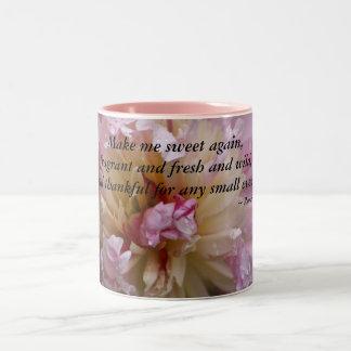 Caneca De Café Em Dois Tons A peônia cor-de-rosa… faz-me o doce outra vez