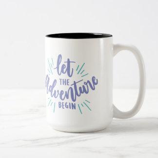 Caneca De Café Em Dois Tons A vida é uma aventura, deixou-a começa
