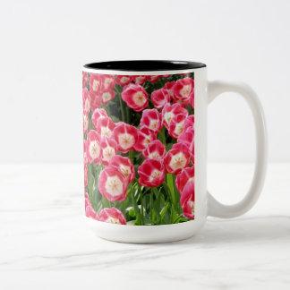 Caneca De Café Em Dois Tons agride tulipas