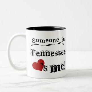 Caneca De Café Em Dois Tons Alguém em Tennessee ama-me