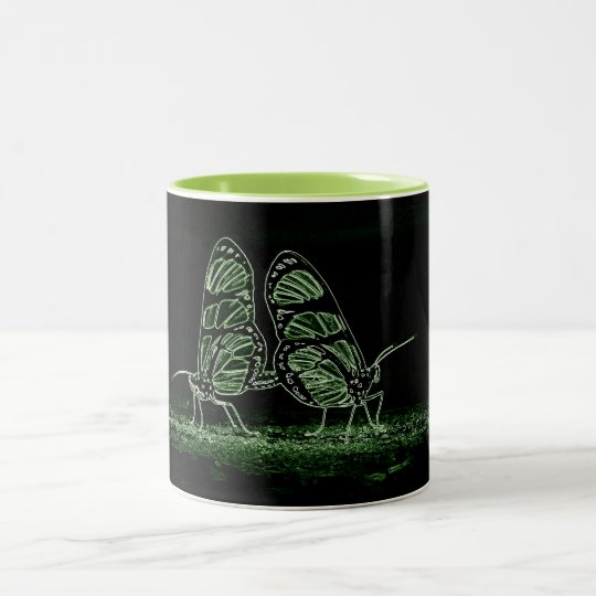 Caneca De Café Em Dois Tons Amor de borboleta em neon verde