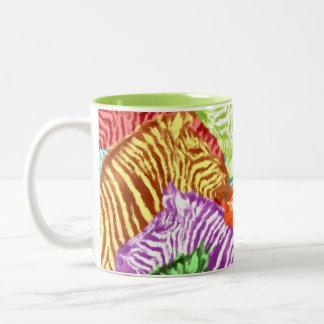 Caneca De Café Em Dois Tons Arte selvagem e colorida da zebra