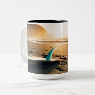 Caneca De Café Em Dois Tons Beira-mar morno