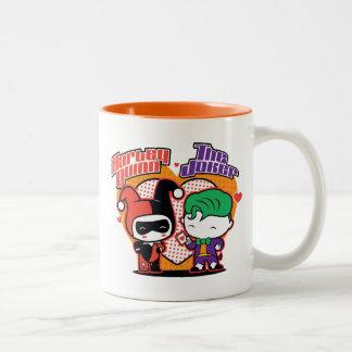 Caneca De Café Em Dois Tons Chibi Harley Quinn & corações do palhaço de Chibi