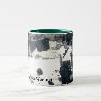 Caneca De Café Em Dois Tons Copo de café/caneca que honra Veterans. de Guerra