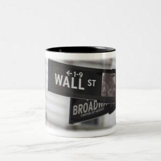 Caneca De Café Em Dois Tons Copo de café de Wall Street