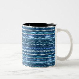 Caneca De Café Em Dois Tons Design abstrato listrado tribal do teste padrão