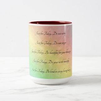 Caneca De Café Em Dois Tons Design da mandala do arco-íris dos princípios de