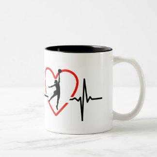 Caneca De Café Em Dois Tons Design do batimento cardíaco do Netball